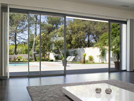 La baie vitrée à galandage : une menuiserie moderne